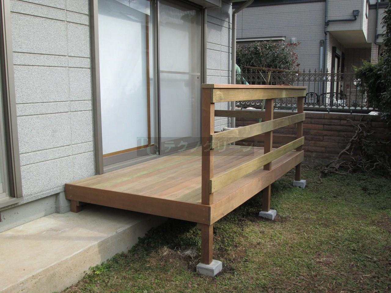 IMG_0467 そう!このウッドデッキ前に物干し台を設置すれば、いちち降りなくても干せ...